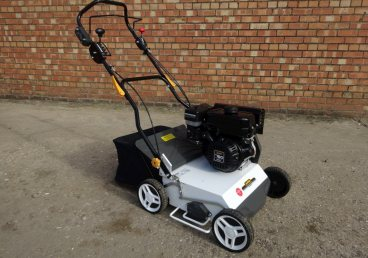 Groundcare equipment for hire | Telephone: 01205 750367